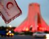 به مناسبت روز جهانی صلیب سرخ و هفته هلالاحمر برج آزادی به رنگ سرخ درآمد